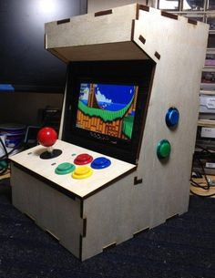 Mini arcade cab built around RaspberryPi