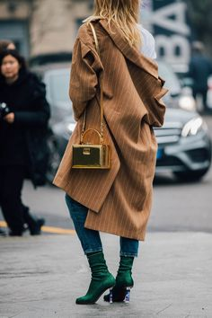 70+ Favorite Milan Fashion Week Street Style Fall 2017 Looks | FashionFiles