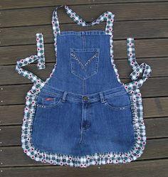 thyme 2 craft: Recycled Denim Jeans Thymian 2 Handwerk: Recycled Denim Jeans ideas for jeans Jean Crafts, Denim Crafts, Diy Jeans, Sewing Aprons, Sewing Clothes, Artisanats Denim, Denim Purse, Jean Diy, Jean Apron