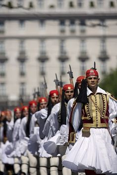 The Presidential Guard in Athens (and other views of Greece) Macedonia, Albania, Greek Beauty, National Guard, My Heritage, Ancient Greece, Greece Travel, Beautiful Islands, Greek Islands