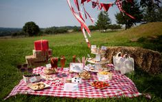 Picnic Parties Are Perfect For Any Occasion Birthdays Hen Baby Showers The List Goes On Sunshine Is Also Not Essential Why Have An