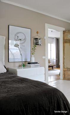 nude bedroom wall