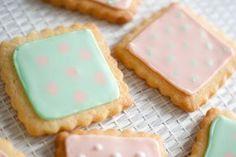 Petits Biscuits Pastels {glaçage royal}
