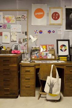 10a Owens Road. Studio. Featured in Homestyle Magazine. Featured on Design Sponge. Vintage desk, Cheltenham curiosity shop. Art prints, endemicworld. Eclectic display. colourful.
