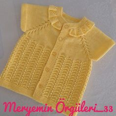 No photo description available. Baby Sweaters, Girls Sweaters, Kids Girls, Baby Kids, Crochet Baby Jacket, Hoodie Pattern, Baby Vest, Baby Knitting, Knitting Patterns