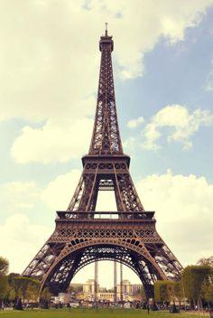 Torre Eifell  - Paris. Francia  http://www.solcerqueiro.com.ar/