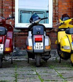 Piaggio Vespa, Vespa Lambretta, Vespa Scooters, Vespa 200, Classic Vespa, Italian Scooter, Tank Design, Vintage Bikes, Sidecar