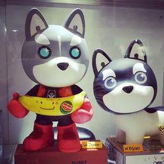banana and cookies are waiting for you @ ATC Seoul 2015 toyshow #husky #artist #figure #vinyl #fruit #toyshow #hero #marvel #dog