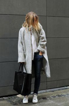 Grey coat, dark skinny jeans, trainers