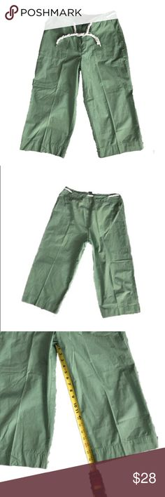 Lauren Ralph Lauren green clam digger pants Light weight material with unique rope tie at waist, zipper and button closure at front.  Four pocket design, loose fitting style.  Perfect for warm weather!  Pre-owned but like new condition! Lauren Ralph Lauren Pants Capris
