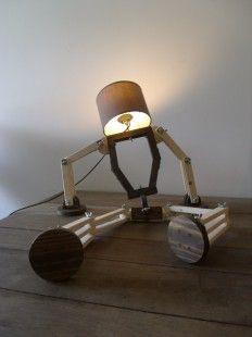 Lampe articulée R2D2 : Luminaires par desarticules-l-art-des-articulations