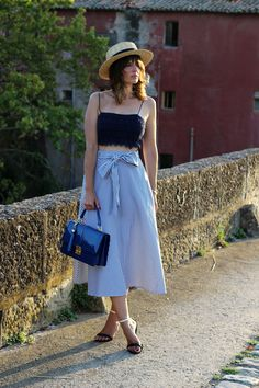 Sheinside: falda midi y crop top Flare Skirt, Midi Skirt, Latest Fashion For Women, Womens Fashion, Color Azul, Women's Fashion Dresses, Front Row, Zara, Crop Tops