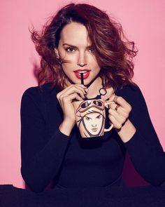 Daisy Ridley - Stylist Daisy Ridley Sexy, Rey Daisy Ridley, The Winds Of Winter, Winter Sky, Non Blondes, Rey Star Wars, English Actresses, Bikini Pictures, Beautiful Actresses