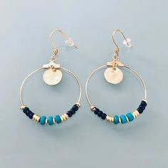 Golden hoop earrings in stainless-steel and gold and turquoise heishi pearls – A big market Cement Jewelry, Wire Jewelry, Beaded Jewelry, Jewellery, Beaded Earrings, Gold Earrings, Handmade Jewelry Designs, Western Jewelry, Turquoise Earrings