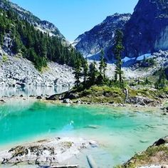 1 hour up the logging road will get you to this beautiful turquoise colored glacier lake in Squamish. #waterspritelake #beautifulbritishcolumbia