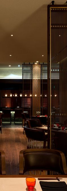 Get inspiration for your work in progress: a new hotel decor project! Find out the best restaurant lighting inspirations for your interior design project at luxxu.net