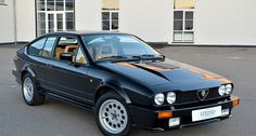 The GTV6 had all the ingredients of a true Italian sports car – penned by Giugiaro, voiced by a V6, and driven by the dandified. But there was one thing which separated it from its compatriots: it could carry not two, but four occupants in leather-trimmed comfort. In addition, there was ample space for luggage.