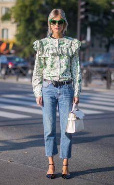 Linda Tol de Street Style at Paris Fashion Week Spring 2016