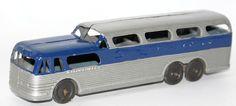 Vintage TOOTSIETOY Diecast Greyhound Scenicruiser Coach Bus