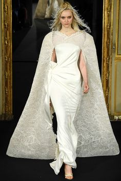 See the complete Alexis Mabille Spring 2015 Couture collection.
