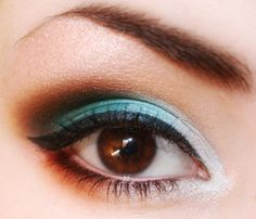 love teal shadow/eyeliner