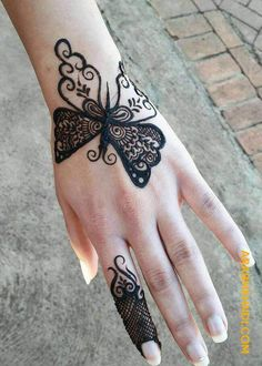 Doll up on rakshabandhan with pretty rakshabandhan mehndi designs that are apt for this festival! Here are 25 inspirations of Rakhi mehndi designs for Mehndi Designs Finger, Mehndi Designs For Kids, Henna Tattoo Designs Simple, Mehndi Designs Feet, Simple Arabic Mehndi Designs, Henna Art Designs, Mehndi Designs 2018, Mehndi Designs For Beginners, Mehndi Designs For Fingers