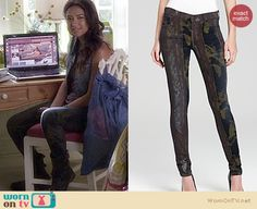 Emily's denim vest with black leather collar on Pretty Little Liars. Outfit Details: http://wornontv.net/16967