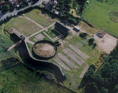 A turf and timber Roman fort near Coventry It's A.D. 60; the Iceniof East Anglia led by the legendary Boudica have rebelled against Roman rule, and have just been defeated in a terrible battle fou...