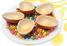 Com receita simples e poucos gastos, é fácil fazer seu próprio Kinder Ovo.