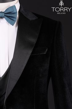 Luxurious mix of premium materials with its velvety appearance and sophisticated flair , this evening suit is perfect for a spectacular event. Wedding Suit Collection, Style Fashion, Mens Fashion, Fashion Design, Daily Outfit, On Your Wedding Day, Wedding Suits, Dapper, Handsome
