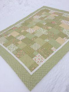 McPhee Quiltworks Log Cabin Quilt Pattern, Star Quilts, Quilt Making, Quilt Patterns, Pattern Design, Blanket, Stars, News, Blankets