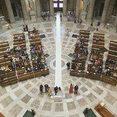 Il primo dopo 1000 anni... Sposi dall'alto. #basilicarealesanfrancescodipaola #napoli #piazzaplebiscito #rampazday