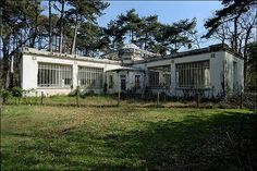 jardin d'agronomie tropicale, Nogent-sur-Marne by Xavier de Jauréguiberry, via Flickr