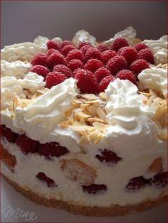 Mennyei málnatorta | Ancsika konyhája Cold Desserts, Summer Desserts, Sweet Desserts, Sweet Recipes, Delicious Desserts, Cake Recipes, Dessert Recipes, Oreo Icebox Cake, Torte Cake