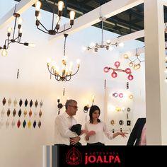 Continúan visitándonos clientes de todo el mundo, muchas gracias por vuestra confianza!!  #FieraMilano17 #Joalpa #FieraMilano #lamp #light #deco #designinterior #interiordesign #luxury #artesania #art #Euroluce #Euroluce17