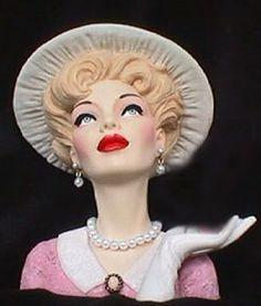 Pretty vase Mood, Antique Glassware, Vintage Ladies, Vintage Pink, Vintage Toys, Half Dolls, Head Shapes, Baby Head, Vasos Vintage