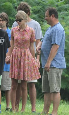 Taylor Swift's orange floral shirtdress