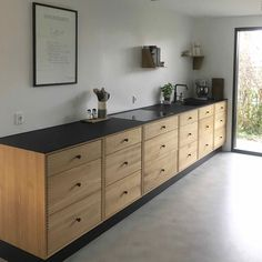 SkabRum, Kitchen in oak. Cosy Kitchen, Kitchen Dinning, New Kitchen, Kitchen Furniture, Kitchen Interior, Kitchen Design, Plywood Kitchen, Furniture Stores Nyc, Furniture Market