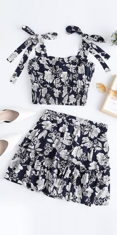 60 Sweet Floral Tops and skirts set Best Picture For summer outfits dresses For Your Classy Outfits For Teens, Cool Summer Outfits, Cute Girl Outfits, Girly Outfits, Cute Casual Outfits, Girls Fashion Clothes, Teen Fashion Outfits, Girl Fashion, Popular Outfits
