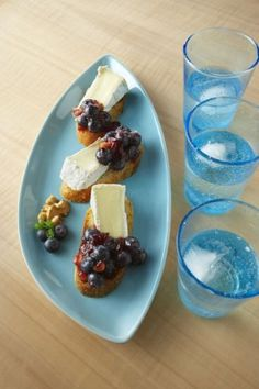Surprise guests with this fresh take on a winter appetizer: Quick Blueberry-Cranberry Relish #littlechanges