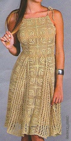 Gorgeous crochet dress. Pattern in Portuguese but has charts for the adventuresome crocheter.