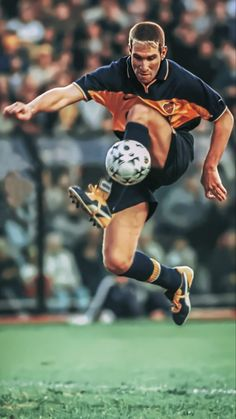 Famous People, Soccer, Running, Palermo, Sports, Romance, Legends, Universe, Display