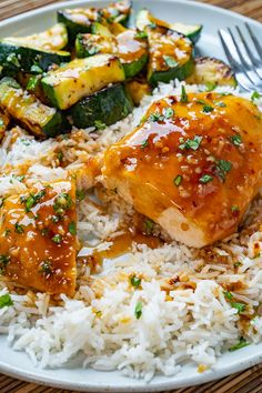 Honey Garlic Chicken Healthy Low Calorie Meals, Healthy Eating, Healthy Recipes, Apple Recipes, Clean Eating, Honey Garlic Chicken, Crispy Chicken, Macro Meals, Food Dishes
