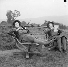 ATS spotters attempt to identify aircraft from specially designed reclining chairs at an anti-aircraft battery in Northern Ireland, 24 September 1941 Military Careers, Military Academy, Military Men, London Bombings, Ww2 Women, Yoga Hair, Star Students, Russian Wedding, Hero's Journey