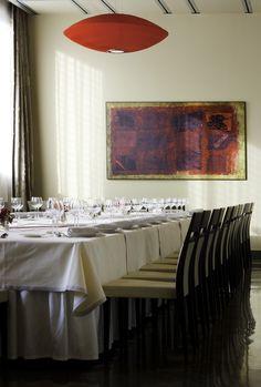 Comidas de empresa, eventos familiares, reuniones de amigos, cenas en pareja, ... tenemos el entorno a tu medida para disfrutar de la buena mesa con un servicio de calidad