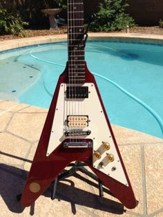 We just love this #vintage Ibanez guitar:  http://us.yakaz.com/posts/018v84alh4l1it1q  #music #Yakaz #Ibanez