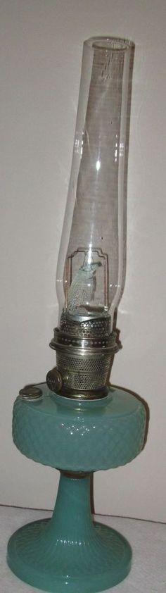 ALADDIN MOONSTONE JADE GREEN KEROSENE OIL LAMP NU-TYPE MODEL 'B' JADIETE JADITE