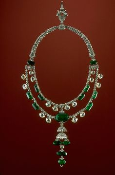 Inquisition Necklace, 374 Indian diamonds, 15 Columbian emeralds. Largest emerald weighs approx 45 carats. Stones cut circa 17th century, unknown date for the necklace