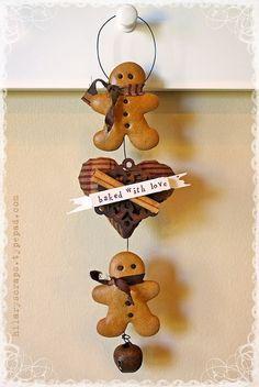 Hearts for Christmas ... diy .... http://hilaryscraps.typepad.com/hilary_kanwischer/2012/11/sizzix-framelit-hearts-for-christmas.html