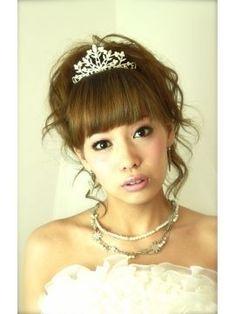 【最新】結婚式・花嫁のヘアスタイル ウェディングドレスに似合う人気の髪型 画像・写真集 - NAVER まとめ